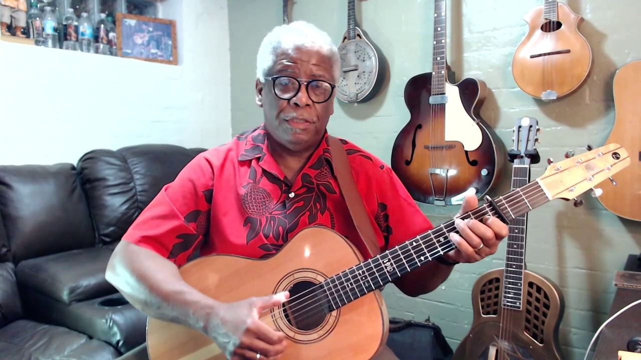 🎸Blues Chronicles #2: The Minor Pentatonic Scale - Guitar History Lesson - Reverend Robert Jones