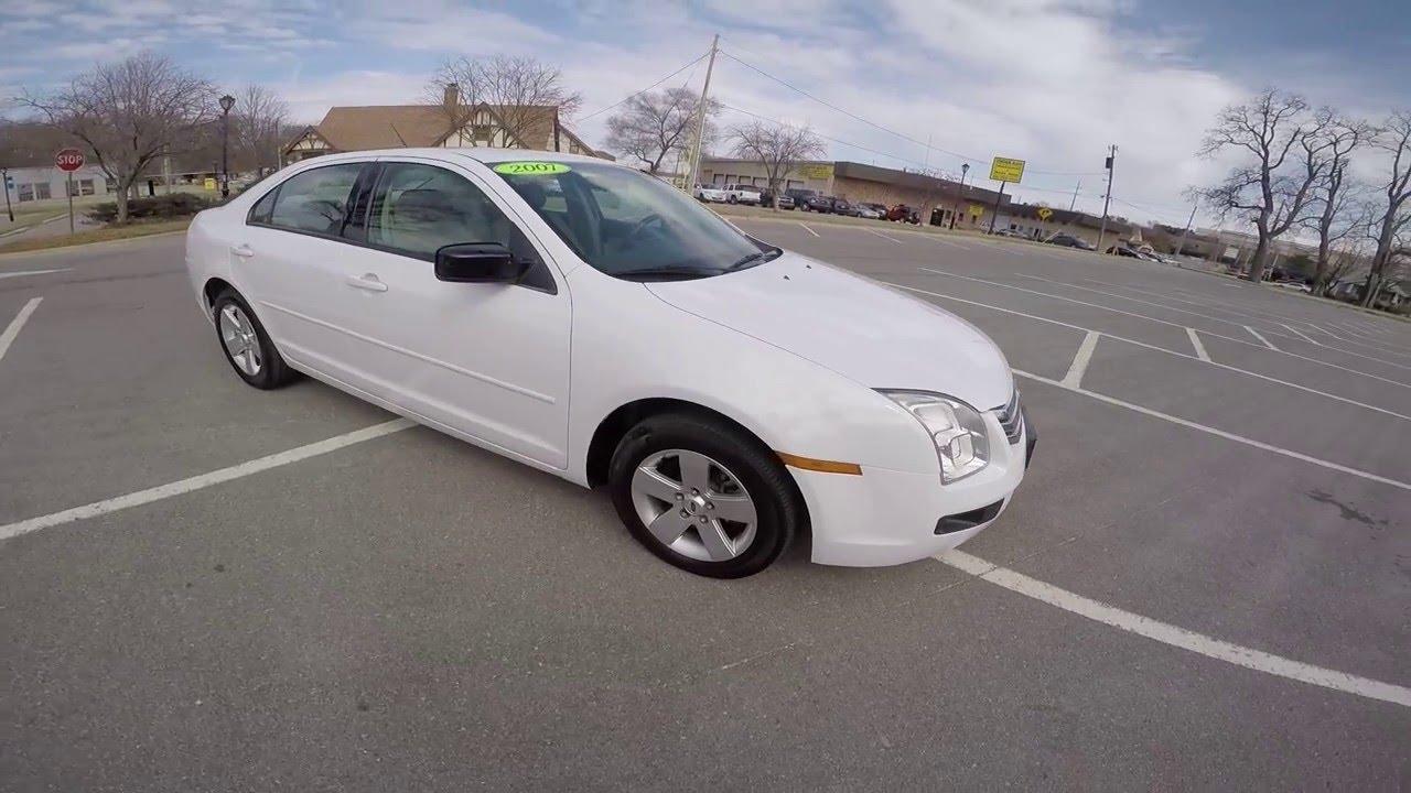 2007 ford fusion white