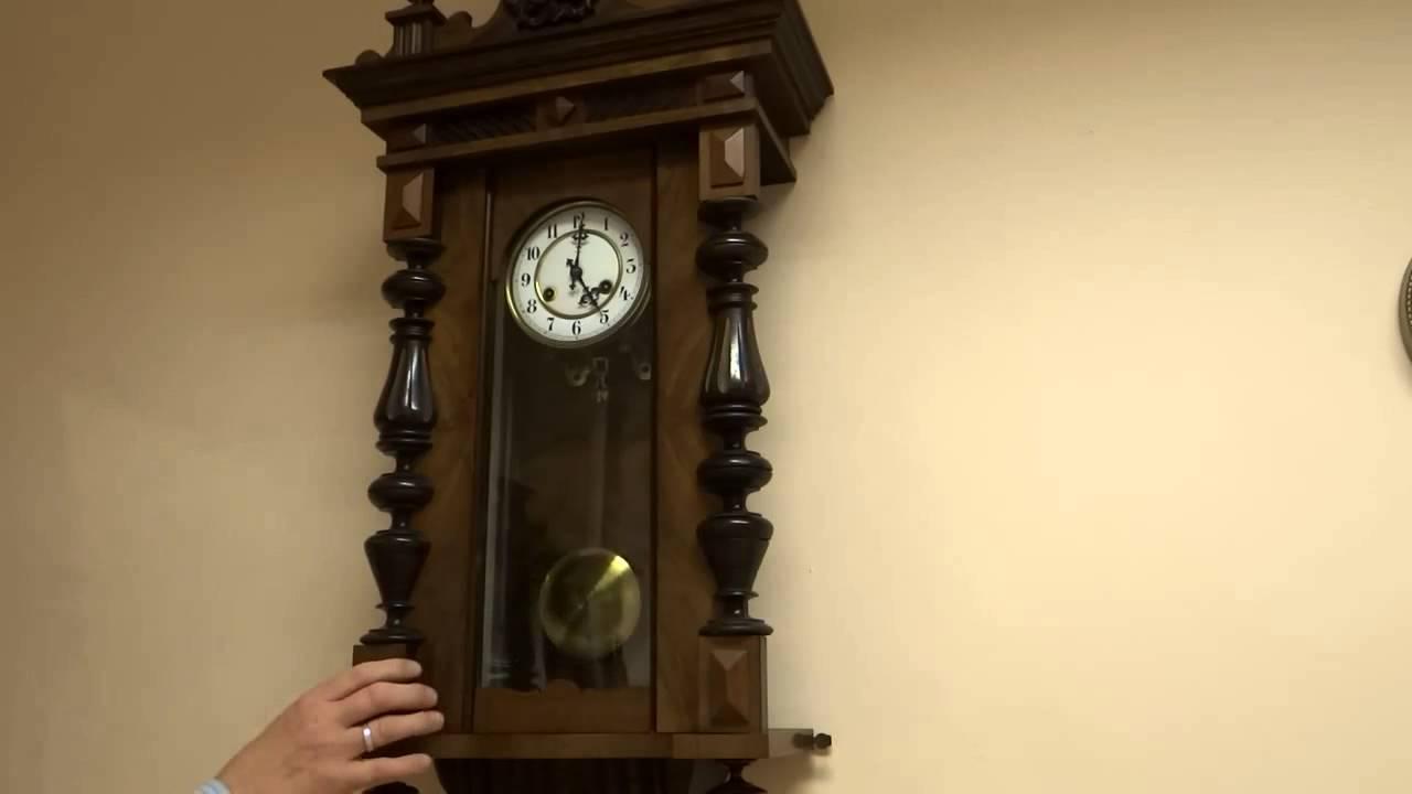 Купить или заказать ключница-часы взгляд в прошлое в интернет-магазине на ярмарке мастеров. Ключница-часы интересной формы, под старинные настенные часы. Декупаж с объемными элементами. Украшены фурнитурой под бронзу. Внутри пять крючков. В нижней части две ручки вешалки.