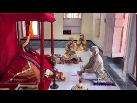 मोदी ने बांग्लादेश के मंदिर में पूजा की