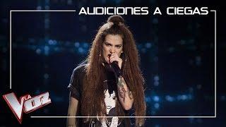 Sandra-Groove-canta-Shook-me-all-night-long-Audiciones-a-ciegas-La-Voz-Antena-3