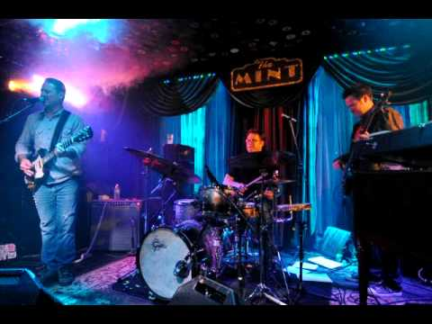 Dragon Smoke- Lucky Lucky (The Mint- W. Hollywood, CA- Wed 12/7/11)