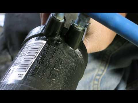 Спайка черной полиэтиленовой трубы, с электро муфтой специальным устройством THERMOPLAST