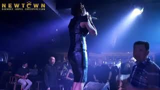 Download Video TATA  JANEETA - DOKTER CINTA ( DEWI - DEWI  ) LIVE @ NEWTOWN EXECUTIVE JAKARTA MP3 3GP MP4