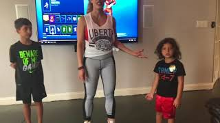 Fit Body Mom utilise Des danses Fortnite pour amener les enfants à workOut - Fitness