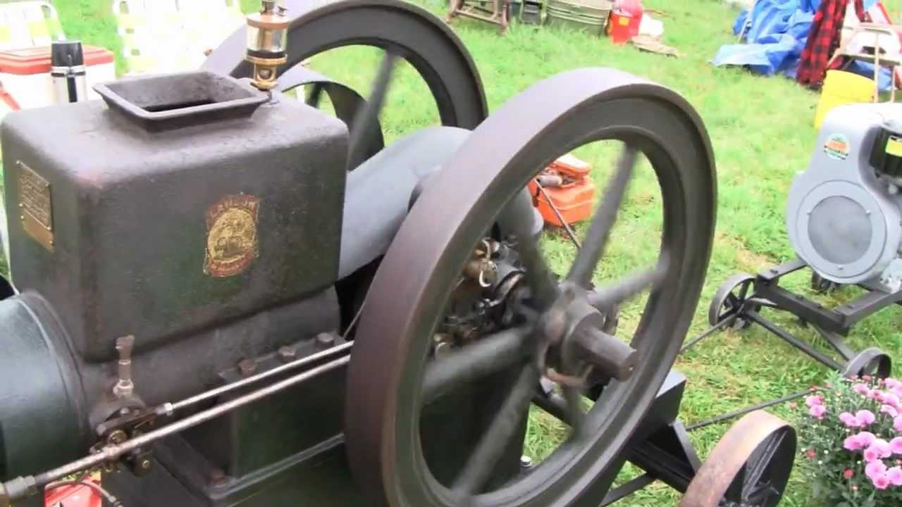 Briggs And Stratton Engine >> 1912 LAUSON FROST KING HIT MISS ENGINE - YouTube