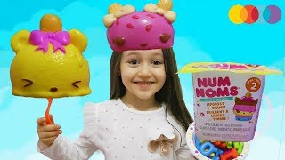 ÖYKÜ NUM NOMS TUTKUSU  learn colors with me and watch num noms - Play Time