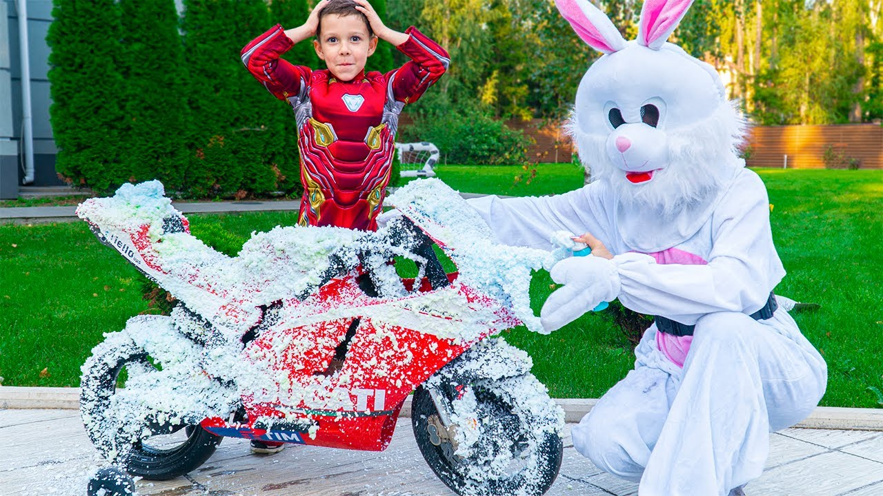 Artem and toy car wash for super hero - Fun story for children