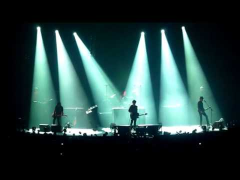 INDOCHINE - DVD multicam - Paradize+10 - 01.02.2012