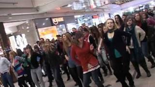 Flashmob w Galerii Dominikańskiej we Wrocławiu