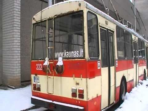 Kauno troleibusu parkas žiema.