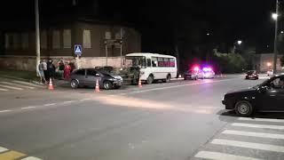 ДТП на перекрёстке улиц Ворошилова и Калужской. Серпухов