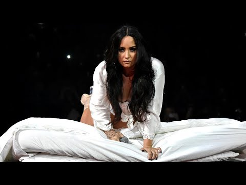 Demi Lovato - Lonely (Live at the Tell Me You Love Me World Tour)