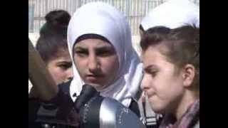 А ну-ка, девушки!   Арабские  школьницы будут чинить компьютеры..