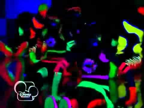 Shake It Up (A Todo Ritmo): Modern Dance (Bring The Fire)