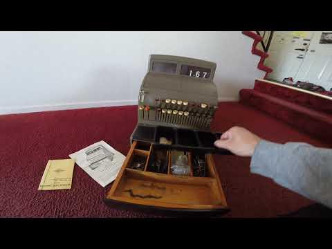 20170817 - Antique National Cash Register - FR-995935TT