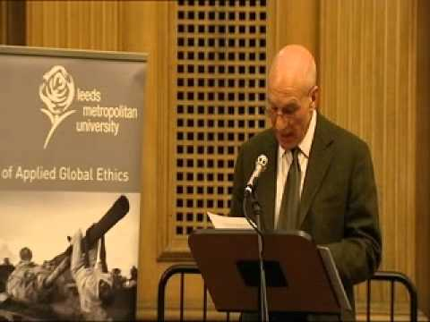 Patrick Stewart Gives 2007 Annual Leeds Peace Lecture