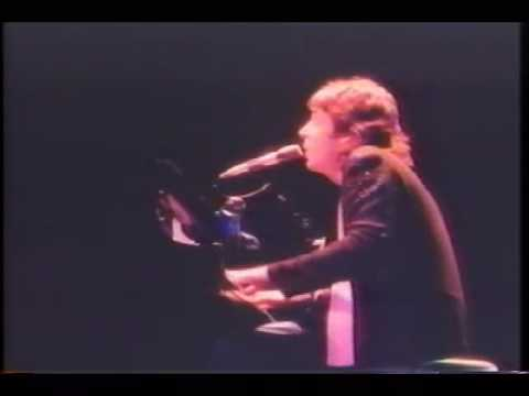 Listen to What the Man Said - PAUL McCARTNEY & WINGS