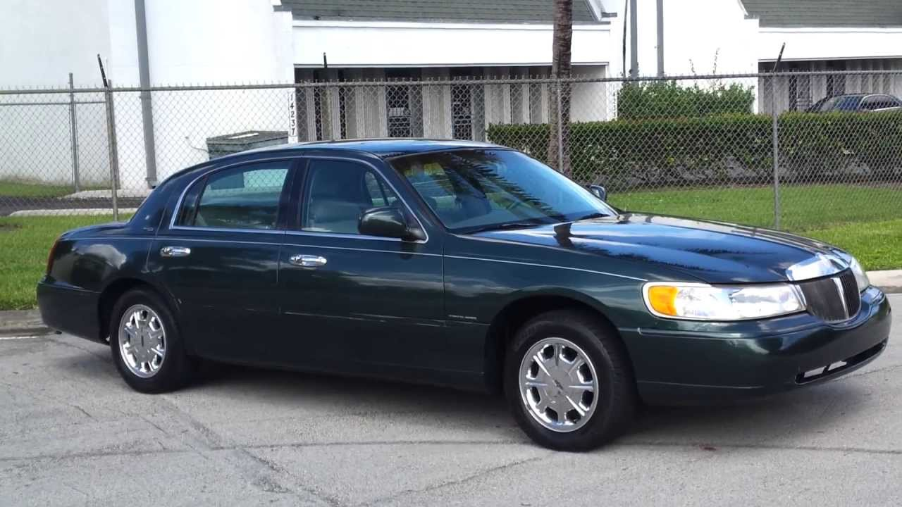for sale 1999 lincoln town car signature series touring sedan [ 1280 x 720 Pixel ]
