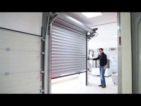 Produccin de vdeo  Cortina Metalica Con Motor para