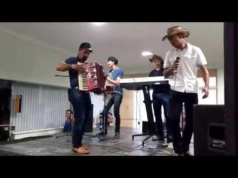Banda Mexe Brasil- Fica Amor