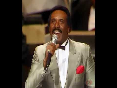 The Temptations VS The Four Tops MEDLEY at Motown 25th