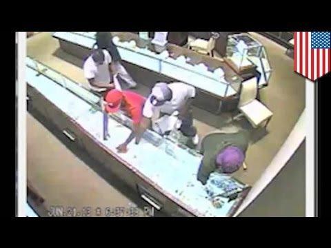 Memphis Rolex bandits steal over $700K in watches in Wolfchase Galleria smash & grab