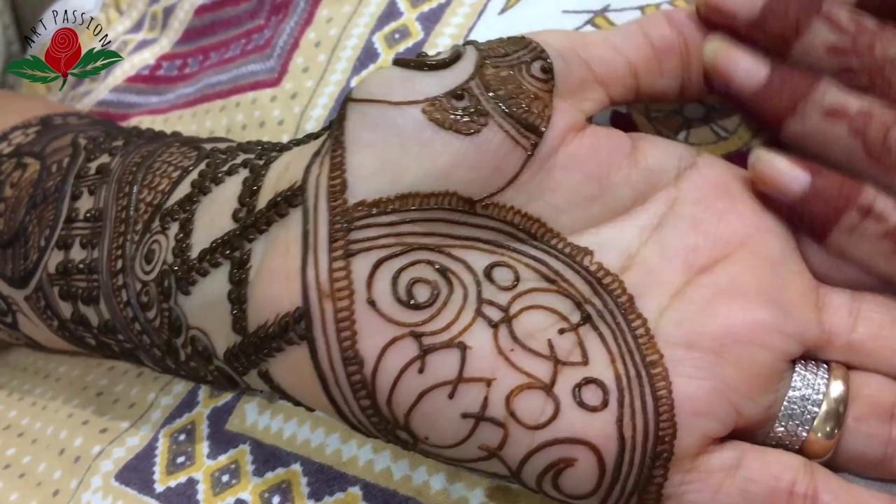 Mehndi Henna Design With Peacock Motif : Intricate semibridal peacock mehendi design for palm failure is