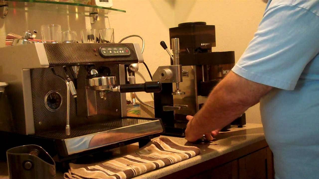 Pulling a shot with my Bunn ES-1A HX espresso machine. - YouTube