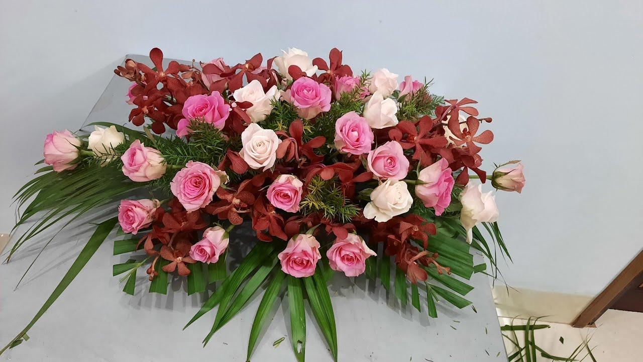 Hướng dẫn cắm hoa để bàn cơ bản với hoa lan và hoa hồng dễ cắm nhất