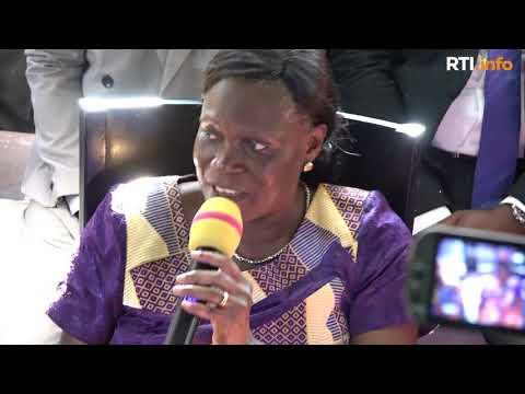Déclaration de Simone Gbagbo face à la presse et aux militants du FPI à sa sortie de prison