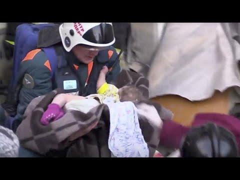 Magnitogorsk: 10 Monate altes Mädchen aus Trümmern gerettet