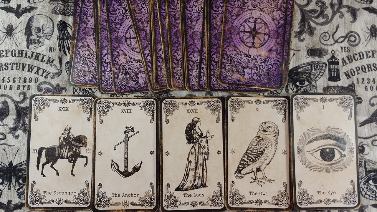 How To Antique Age Oracle Tarot Cards Wychwood Oracle Deck Worn Distressed Diy Tutorial For Aging