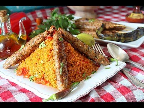 brochette-de-viande-kebab-et-boulgour-pilavi-(blé-turc)/-برغل-تركي-كباب-أسياخ