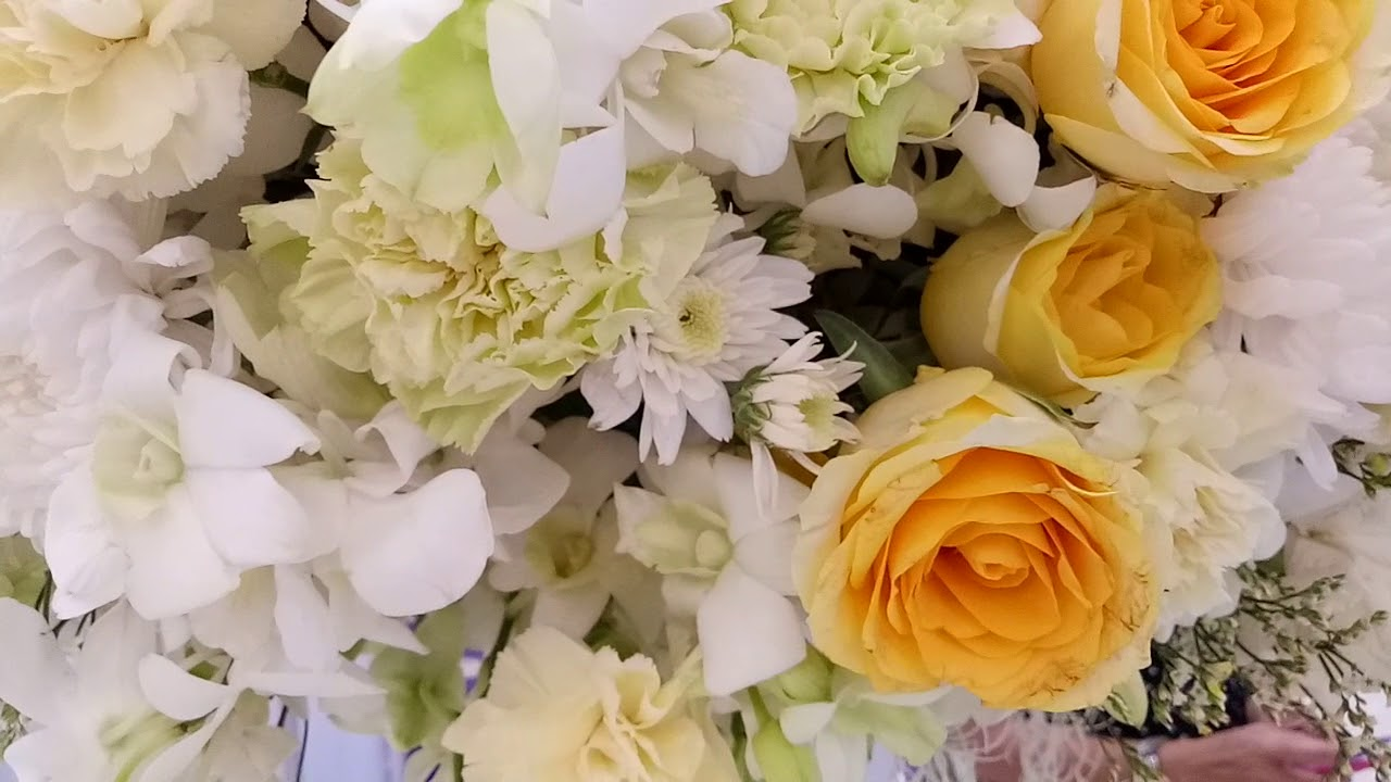 Flowerbee White Yellow Flower Arrangement Youtube