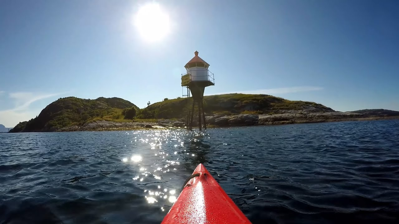 Kayaking between Hjertøyene in Bodø