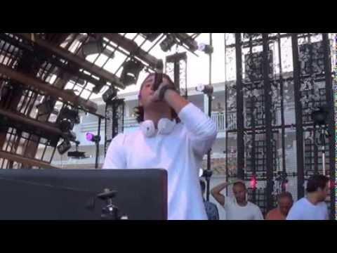 Alesso & Calvin Harris feat. Theo Hutchcraft - Under Control (Live Ibiza)