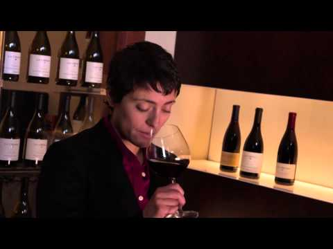 La Crema Sonoma Coast Pinot Noir - Voyageurs du Vin - click image for video