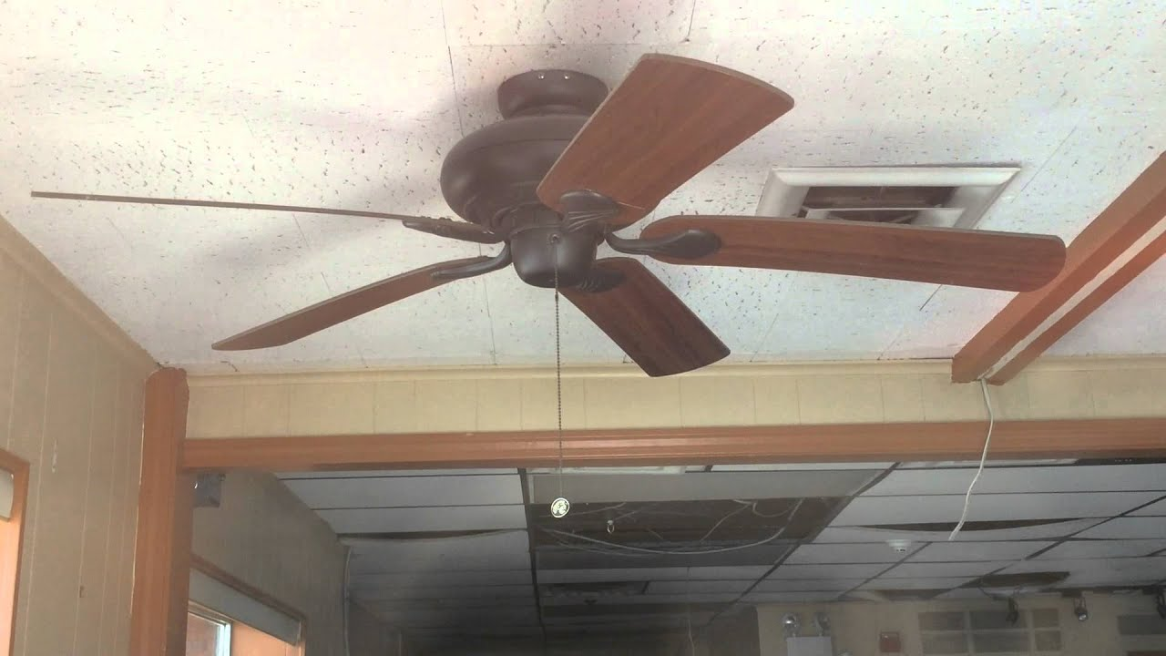 Hampton Bay Quick Connect Ceiling Fan At A Closed Down