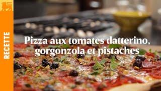 Pizza aux tomates datterino, gorgonzola et pistaches