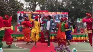 نجوم الهند يحتفلون بيوم الجمهورية.. رقص وأعلام