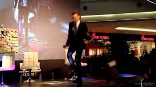 Tom Hiddleston and Benedict Cumberbatch dance off