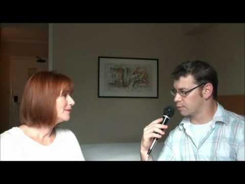 Caroline Williams on Acting, Dennis Hopper,The Unleashed, Texas Chainsaw Massacre 2