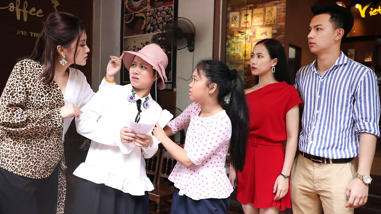 Bé Gái Bán Vé Số Xin Áo Cũ Tặng Sinh Nhật Mẹ Bị Nữ Thư Ký Vênh Váo Đòi Lại Bằng Được | Nữ Thư Ký T46