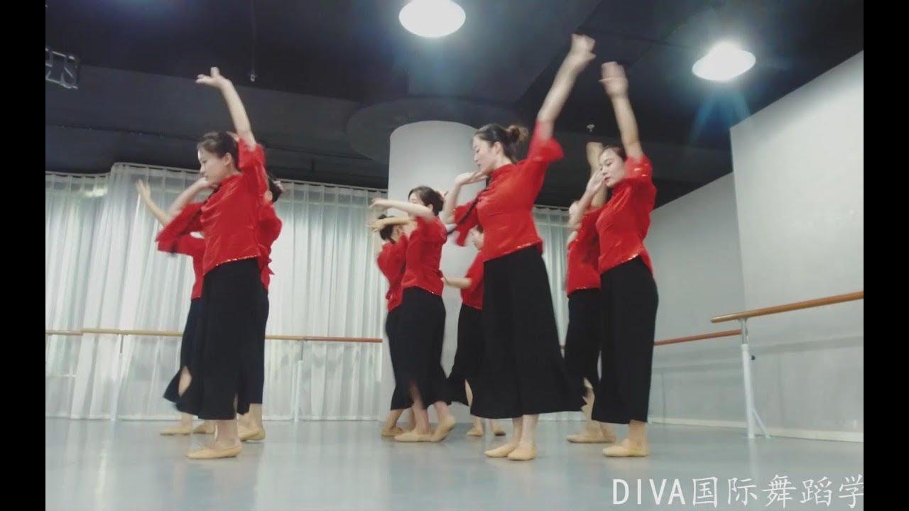 Múa Cửu nhi (Ost Cao lương đỏ) – Đồng diễn