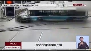 В Алматы один  из пострадавших в ДТП с автобусом и легковым автомобилем в тяжелом состоянии