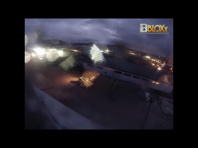 BBloxx-Zeitraffer | Stellung von Schüttgutboxen | Ausschnitt 1