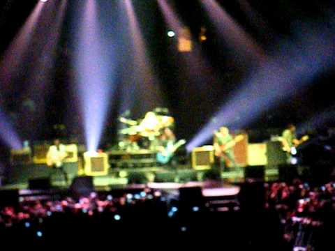 Foo fighters bridge burning rope live madison square - Foo fighters madison square garden ...