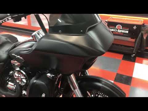 Harley Davidson Road Glide – RedTonic Wraps