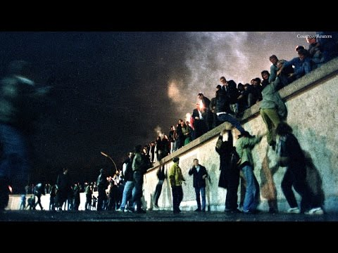 The Fall of the Berlin Wall: the Cold War's Last Days